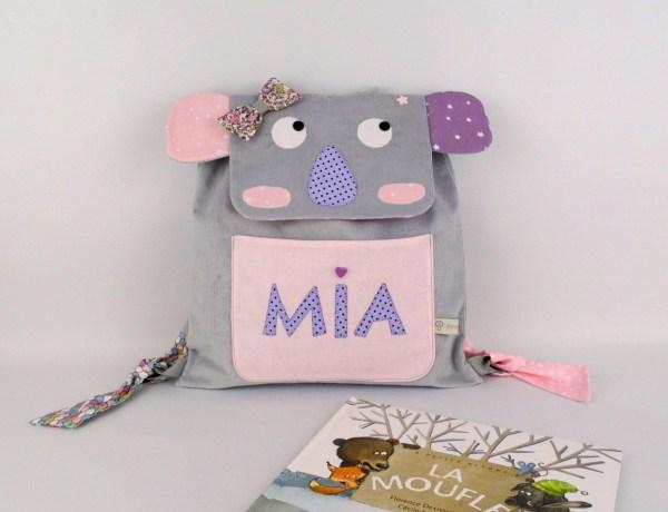 sac-a-dos-enfant-koala-personnalise-mia-gris-mauve-rose-poudre-sac-bebe-creche-maternelle