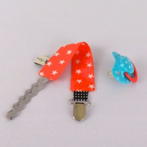 attache-tetine-sucette-bebe-orange-etoiles-blanc-pacifier-clip-baby-boy