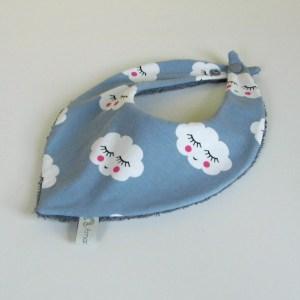 foulard-bebe-bandana-pas-cher-gris-nuages-cadeau-naissance