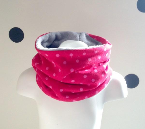 echarpe-tube-bebe-fille-rose-fuchsia-pois-doudou-polaire-gris-snood-jeune-enfant-ecole-maternelle