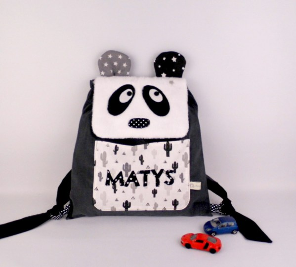 sac-a-dos-panda-garcon-matys-brode-prenom-ecole-maternelle-creche-cadeau-naissance-panda-personnalisable-baby-backpack-panda-personalized-name