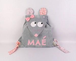 sac-a-dos-maternelle-souris-personnalise-prenom-mae-gris-rose-poudre-amanite-rose-cadeau-naissance-sac-creche