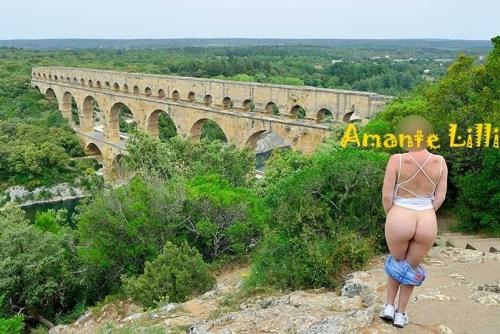 Le short n'est pas hyper pratique, ici au Pont du Gard