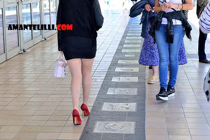 AmanteLilli-exhibe-sur-la-Croisette-à-Cannes-01