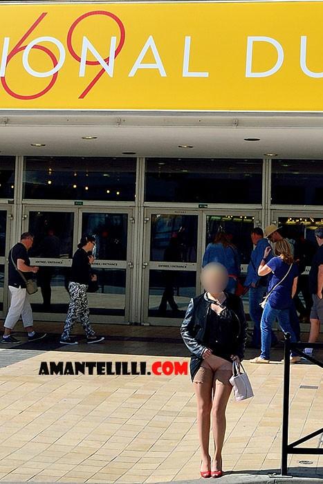 AmanteLilli-exhibe-sur-la-Croisette-à-Cannes-04