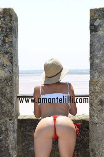 amante-lilli-flashing-et-exhib-aigues-mortes