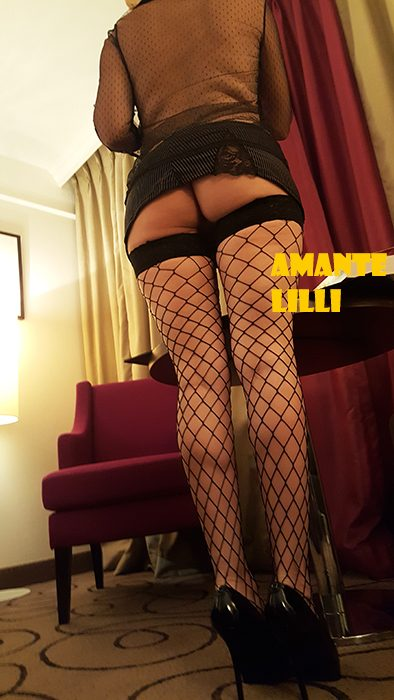 amantelilli-hotel-secretaire-coquine-sexy-lingerie-erotique-14