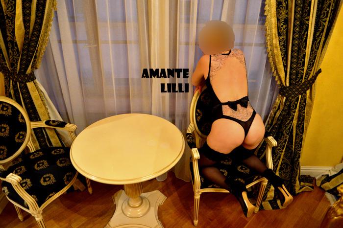AmanteLilli en lingerie à l'hôtel de luxe coquine libertine