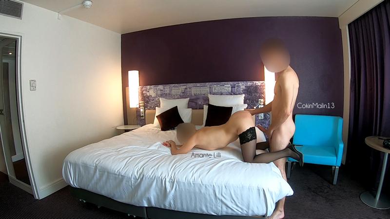 Mon amant envoie des photos coquines à mon Mari candauliste, rencontre libertine seule à l'hôtel