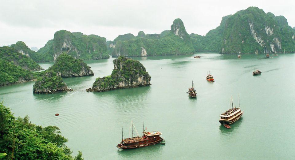 halong bay- vietname