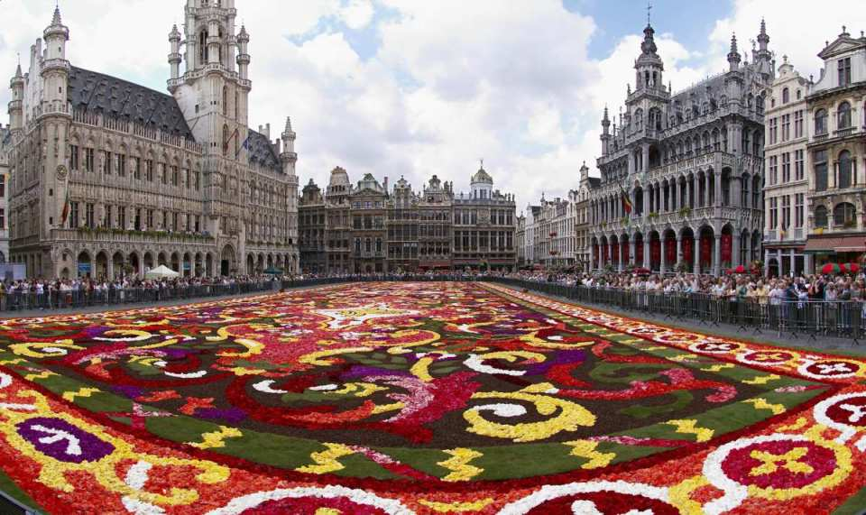 Tapete florido na Grand Place - Bruxelas