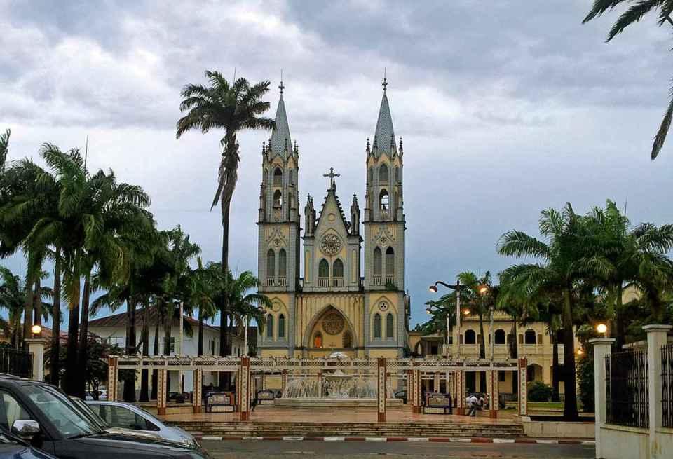 Catedral de Santa Isabel em Malabo