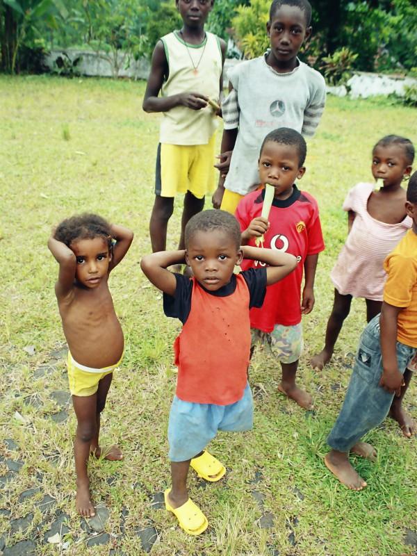 Crianças em São Tomé
