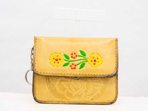 handmade-mexican-artisanal-tooled-leather-coin-purse-pouch-with-mirror-002
