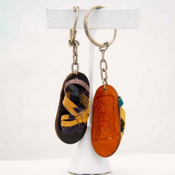 handmade-mexican-artisanal-tooled-leather-sandal-key-holder-004