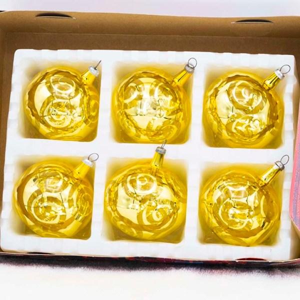 hand-blown-christmas-glass-balls-ornaments-064
