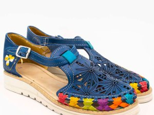 amantli-handmade-mexican-huarache-sandal-shoe-low-sole-carmen-blue-pair-view-089
