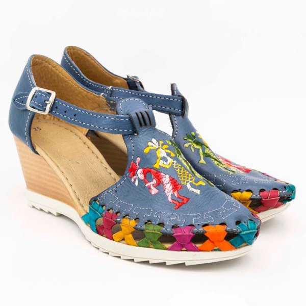 amantli-handmade-mexican-huarache-sandal-shoe-medium-sole-camelia-blue-pair-view-054