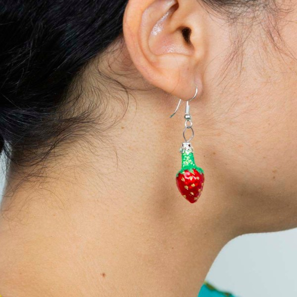 strawberry-hand-blown-glass-red-earrings-022