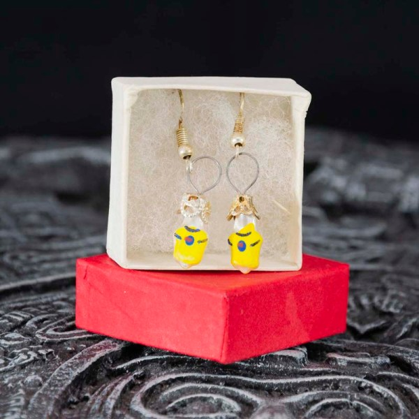 tees-hand-blown-glass-yellow-earrings-233