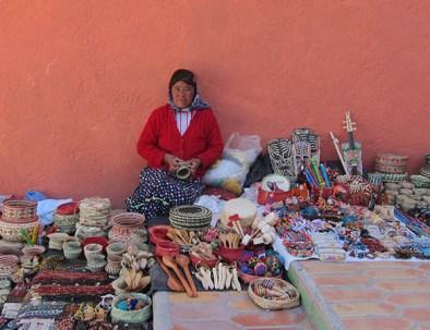 Artesanía Mexicana hecha a mano por las señoras Rarámuris