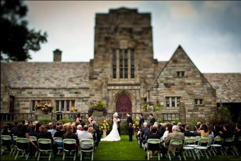 Merion Tribute house outdoor wedding flowers, Amaranth Florist, Narberth, Rose, Eric