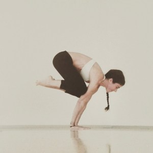 bakasana amara yoga asanas
