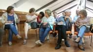 Lectores en el Club de Lectura de la Biblioteca Río Segura de Murcia