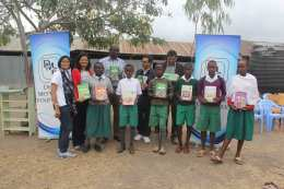 Text-books-donation-by-Desai-Memorial-Foundation