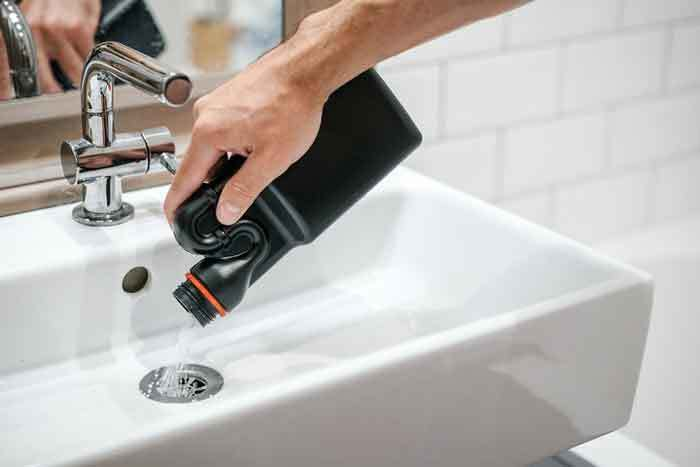 7 best home remedy to unclog bathroom