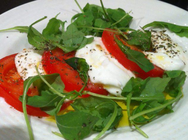 Amarcord-Restaurant-insalata-caprese