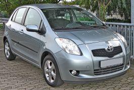 Toyota_Yaris_1_3_VVT-i_front