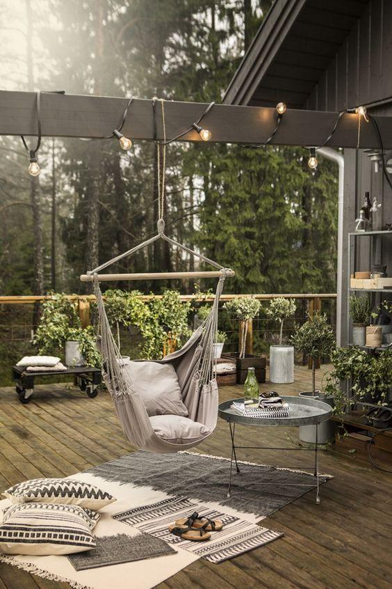 decoración para terrazas de verano con elementos móviles