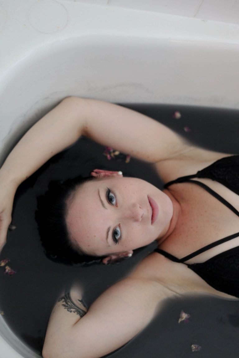 nicky in bath