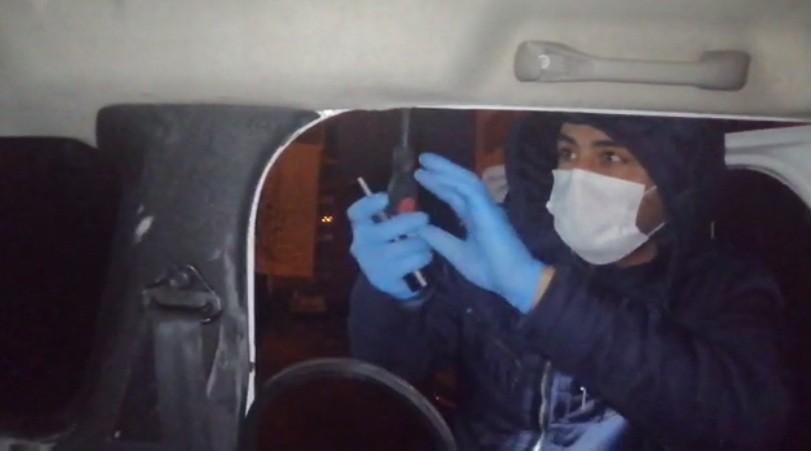 Araçta gizlenen uyuşturucuyu 'Gece' buldu