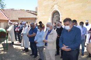 Saldırılarda hayatını kaybeden Filistinliler için gıyabi cenaze namazı kılındı