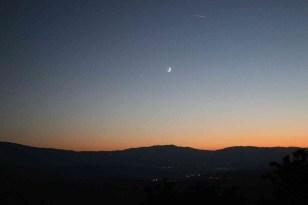 Amasya'da gökyüzünde ay ile yıldızın duygulandıran buluşması
