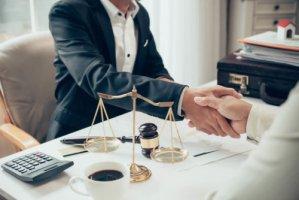 借金で自己破産したい人の必要条件とデメリットは?