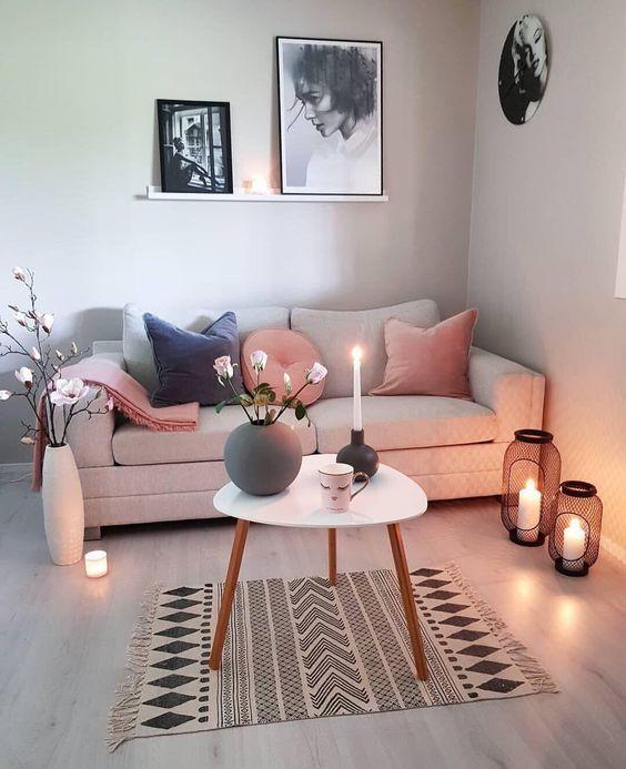 Candele per illuminare il soggiorno
