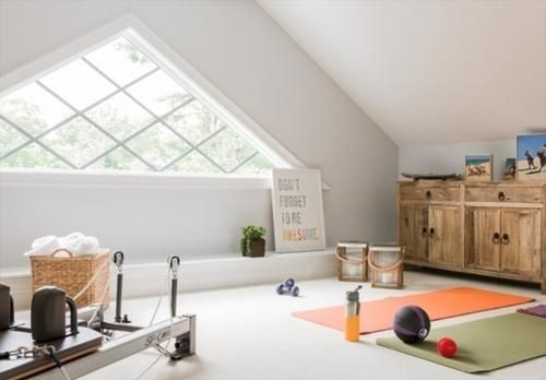Spazio yoga in camera da letto