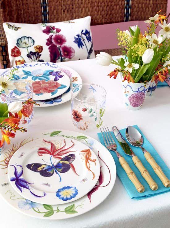 Una tavola in stile floreale
