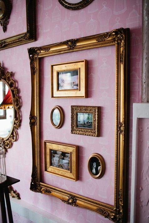 Composizione di cornici vintage