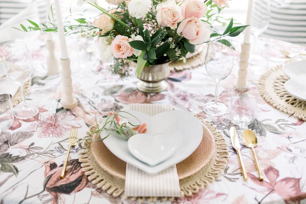 Idee per apparecchiare la tavola per San Valentino