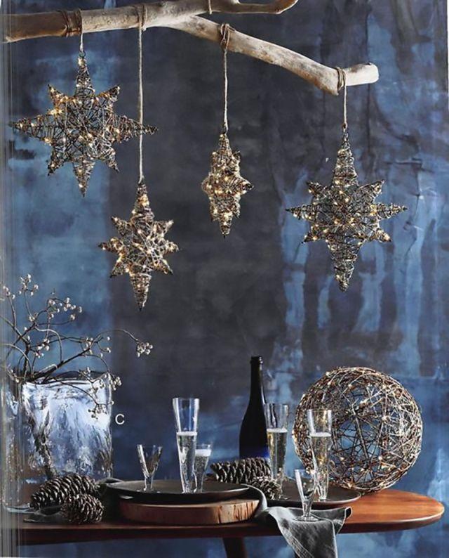 Decorazioni natalizie classic blue con stelle sospese e sfere dorate