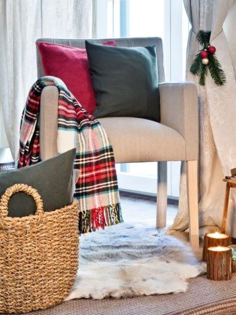 Tartan Scottish style verde e rosso ideale anche per le festività invernali