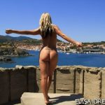 MIS FETICHES: ELYSA NUDE ON A BEACH II