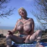 MIS FETICHES: MARY BITCH NAKED ON THE BEACH I