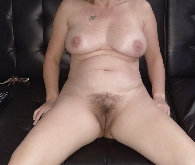 Hairy Amateur Girl Show Big Ass Xxx Photo