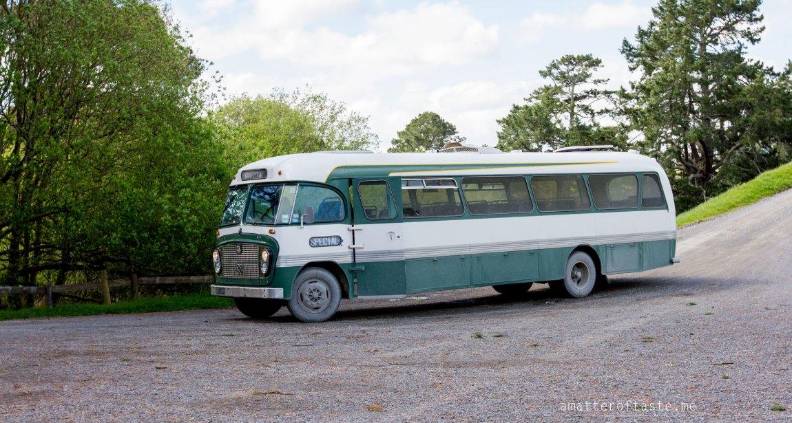 hobbiton bus