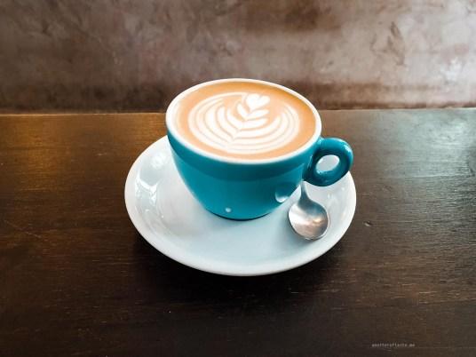 Hanso - best coffee in Madrid list - flat white